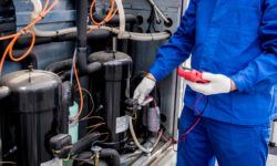 Oil-Free vs. Oil-Flooded Air Compressors - What's the Difference?